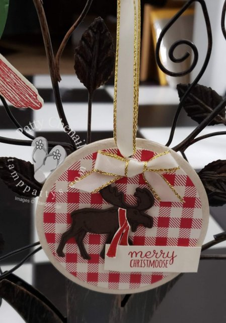 Create incredible holiday ornaments or gift tag/embellishments using Stampin' Up! stamps, ink, and paper. These were created using the Toile Christmas and Merry Moose bundles from the 2019 holiday catalog!